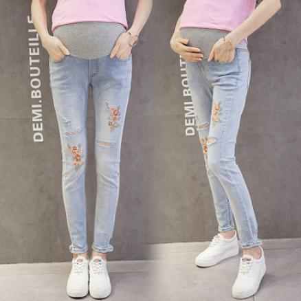 Flower Embroidered Maternity Abdomen Supportive Ripped Jeans (3853556)