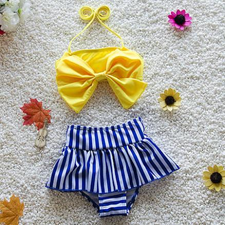 Bowknot Decorated Contrast Stripes Swimsuit (4240026)
