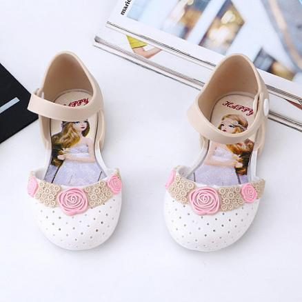 Flower Decorated Hollowed Shoes (4515453)
