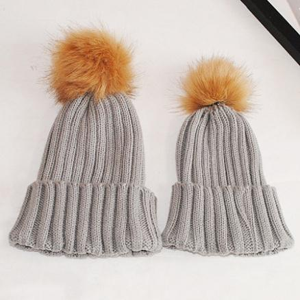 Mom Girl Pompon Decorated Woolen Yarn Matching Cap (3950401)