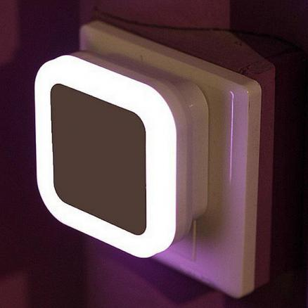 Light Controlled Square LED Wall Night Lamp Bedroom Night Light (HLT-506114)